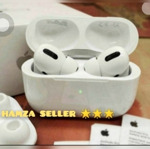 Used APPLE AIRPOD NEW PACKED WIRELESS ONLY ✔️ in Dubai, UAE