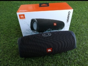 Used NEW CHARGE4 JBL ITS NEW BOX FOR PARTIES in Dubai, UAE
