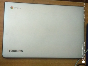 Used Toshiba Chromebook 2 (screen cracked) in Dubai, UAE