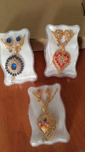 Used Beautiful 3 piece jewellery set in Dubai, UAE