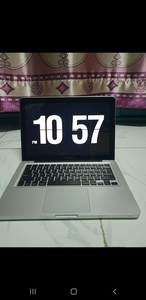 Used MacBook Pro corei7  12gb ram 256gb in Dubai, UAE