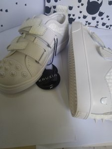 Used Mini Thunder white shoes.best deal in Dubai, UAE