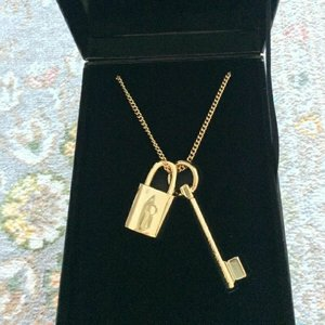 Used New Victoria's secret pendant in Dubai, UAE