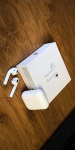 Used Apple Airpods Latest Version Master Copy in Dubai, UAE