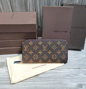 Used Single zip lv replica wallet unisex in Dubai, UAE