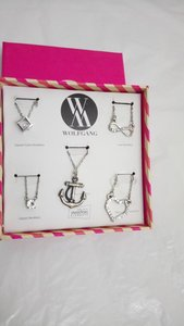 Used 5 Necklaces * 2 Boxes equal 10 Necklaces in Dubai, UAE